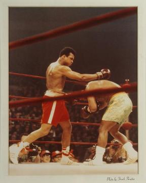 Ali Frazier fight photo by Frank Sinatra